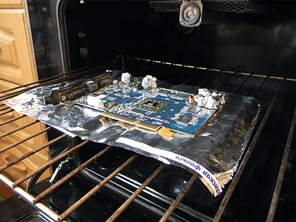 Как починить видеокарту в духовке?