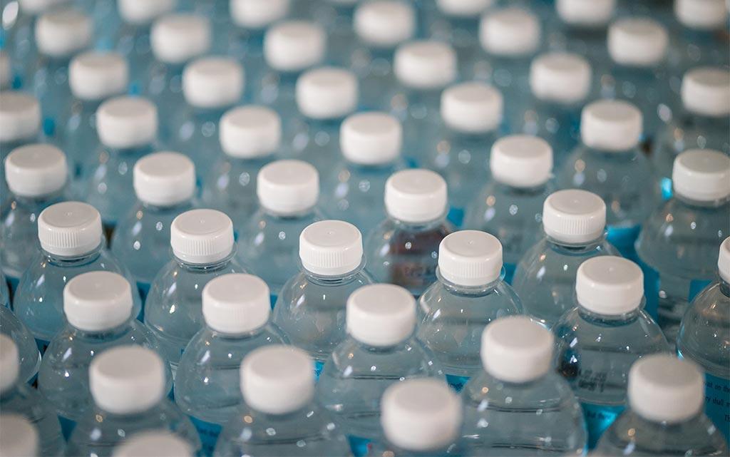 Что экологичнее — бумага или пластик?